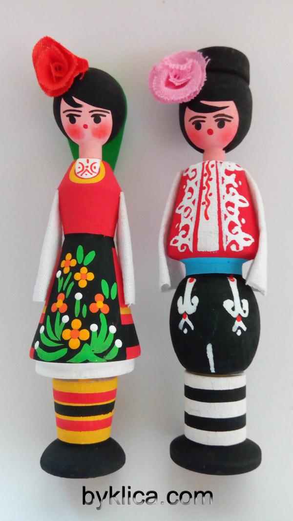 9лв. Кукли сувенир от дърво с фолклорни носии