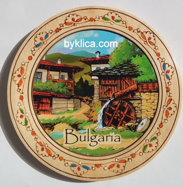 3.80лв Дървена чиния сувенир с пирография