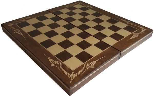 47.00 лв. Шах табла с дърворезба ТРЯВНА